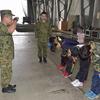 那覇市立高良小学校が陸上自衛隊の職場体験学習 - 「総合学習」の時間とは、「隊員の子弟」になることも含むのか !?
