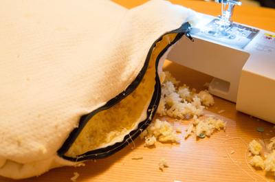 【超素人だけど裁縫チャレンジ】無印で買った枕がボリューム満点すぎるから、カスタムできるように裁縫DIYしてみた