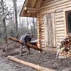 自然の恵み!温かみのある丸太小屋が森林の更地に誕生