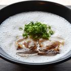 日田駅前で営むラーメン屋【麺屋 一角】の泡系ラーメン!