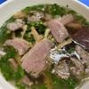 休日の朝食にベトナム料理を(ブンジウクアボー、ミエンガン)