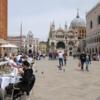 イタリアでコロナ死者が漸減、夜間外出緩和へ