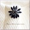 ブラック&ホワイトミニフラワーブローチ MIRIAM HASKELL(ミリアムハスケル)
