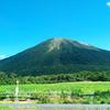 夏の大山 見る方面により表情が異なる山。登山しなくても楽しめます。