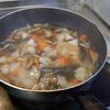 幸運な病のレシピ( 1575 )朝:煮しめ、きんぴら(ひき肉・レンコン・人参・ゴボウ)、鮭、塩サバ・手羽先・イワシ