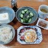 ベーコンエッグと豆腐と胡瓜