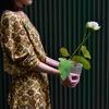 白い蓮が咲きました / 今日のMIDOLAS事業部 #ストロボライトなう