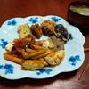 幸運な病のレシピ( 2216 )昼 :茄子・エノキ椎茸の天プラ、鶏唐揚、レバー・ハツ照り焼き、ペンネグラタン(数日前のミートソース)