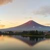 【観光&写真】河口湖:珍しい気象現象に遭遇した早朝の美しい湖と朝焼けと赤富士!