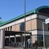 犬山市立図書館を訪れる