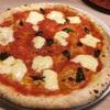 イタリア厨房ベルパエーゼ「マルゲリータ・エクストラ」焼きたて熱々の薪窯ピッツァ!モッツアレラチーズ贅沢盛りがいいねぇ!
