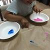 絵の具は顔に塗るものです