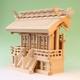 ドンと構えるような存在感のある厚屋根三社の神棚