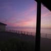 海沿いのバス停から