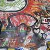 プラハーカムパ島ージョンレノンの壁ービートルズの元ドラッマーMr.Peter Bestのサイン  [UA-125732310-1]