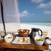楽園!!プライベートサンドバンクで朝食 ミライドゥ モルディブ