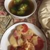 トマトのチーズ焼きと、セロリトマトスープのブロッコリー入り