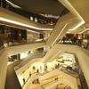 ショッピングモールとネットショップが若者向けで百貨店が潰れる始末