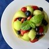 メロンをくりぬいて器に!「メロンといちごのフルーツサラダ」Macedonia:マチェドニア。作り方・レシピ。