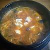 今夜は鍋にしよう!暖冬で野菜の値崩れ、大量廃棄