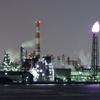 川崎工場夜景:有名スポット「千鳥橋」から千鳥運河を遠望する。