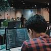 プログラミング学習なら独学かスクールか?メリットを比較!