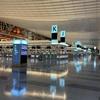 今の羽田空港は閑散としていて聞こえるのは足音だけ。