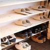 玄関の収納と、家族の靴の数