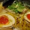 奈良県にあるランチタイムは替え玉無料が嬉しい奈々ラーメンで美味しい拉麺を食べました。