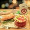 楽天カフェ渋谷公園通り店の照り焼きサンドwithサラダとコーヒー