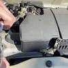 エンジンの中に水を入れたり草を入れたりしたらどうなるのかを試してみた