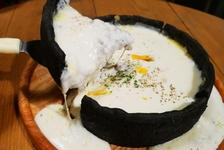 シカゴピザとは!?渋谷で大人気インスタ映えピザを食べに『Dining Bar UNTITLED』へ!