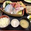 神奈川区山内町 横浜市中央卸売市場の「カネセイ」で舟盛り定食&唐揚げ定食