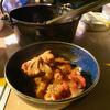 キャンプに行ったらダッチオーブン使うでしょ!スペアリブを煮込むと美味しいんですよ。