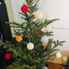 クリスマスツリーの飾り付けが完成しました