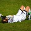 左腕を骨折しているのにサッカーの試合に出されて悶絶した話