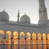 モスクってどんなところ⑴?誰でも行けるの? What is a mosque like⑴?  Can anyone go there?