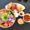 北谷にある「和牛カフェ カプカ」で盛もりサラダボールを食べてきた