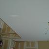 内装工事 壁紙貼りがスタート