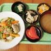 豚ロース肉と人参とグリーンピースの炒めもの