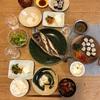 ごはん、のりまき、イサキの塩焼き、赤ピーマンのスープ、冷奴と人参ほうれん草の胡麻和え、きゅうりの梅おかか和え