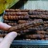 【今日の食卓】ドライ・タマリンド。マッサマンカレーに欠かせない果物だが、カレー用と品種が異なる