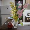 花束で乾杯をする華金