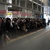 東京オリンピックの期間は、人があふれて通勤できなくなうそうです。。