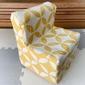 年齢に合った机と椅子の高さ。子供いすを牛乳パックで手作りした理由。