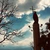 【アルゼンチン③】真っ赤な教会と丘から街を見守る聖人