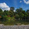 京都御所と京都御苑の花と青空