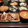 豊洲の「米花」で焼き鳥、大根煮、きゅうりとカニカマのサラダ。