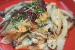 【秋のおつまみ】「秋鮭とキノコの柚子胡椒クリーム煮」の作り方