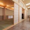 【引き戸】=開閉自在、融通性に富んだ日本生まれの建具を応用する。